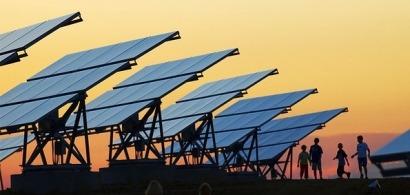 Paneles solares energía limpia para el desarrollo sostenible